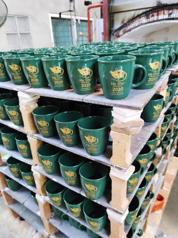 ซื้อแก้วกาแฟเซรามิคที่ไหนบ้าง? แก้วของชำร่วยงานเกษียณ